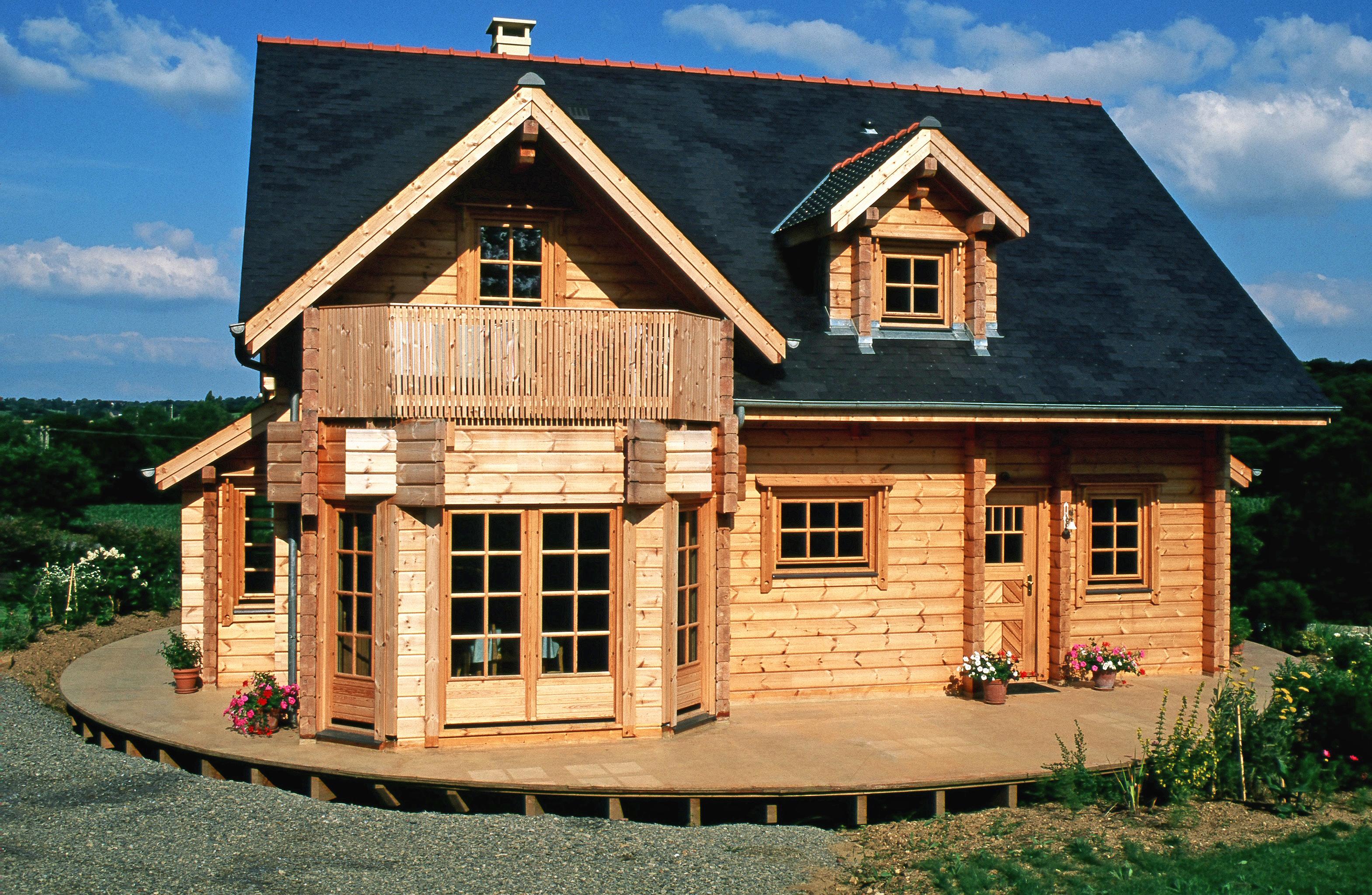 Maison en bois moins cher les minimaisons phnomne for Aux maisons maison les chaources